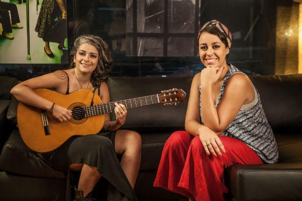 """Bárbara Rodrix e Luiza Sales na gravação da websérie """"Meninas do Brasil"""", em São Paulo"""